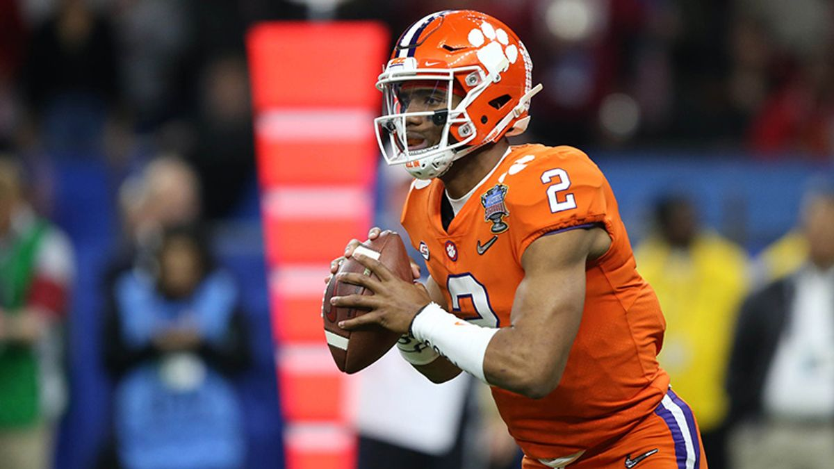 Senkiw: Clemson's Two-QB System Is Off To A Good Start article feature image