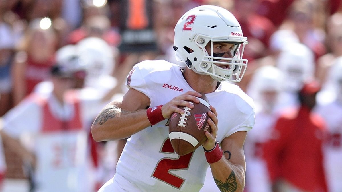 College Football Betting Tip: Bet Teams After High-Profile Week 1 Loss article feature image