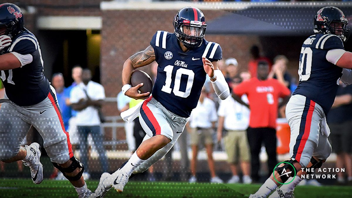 College Football Sharp Report: Pros Betting Ole Miss-LSU, 4 Other Games article feature image