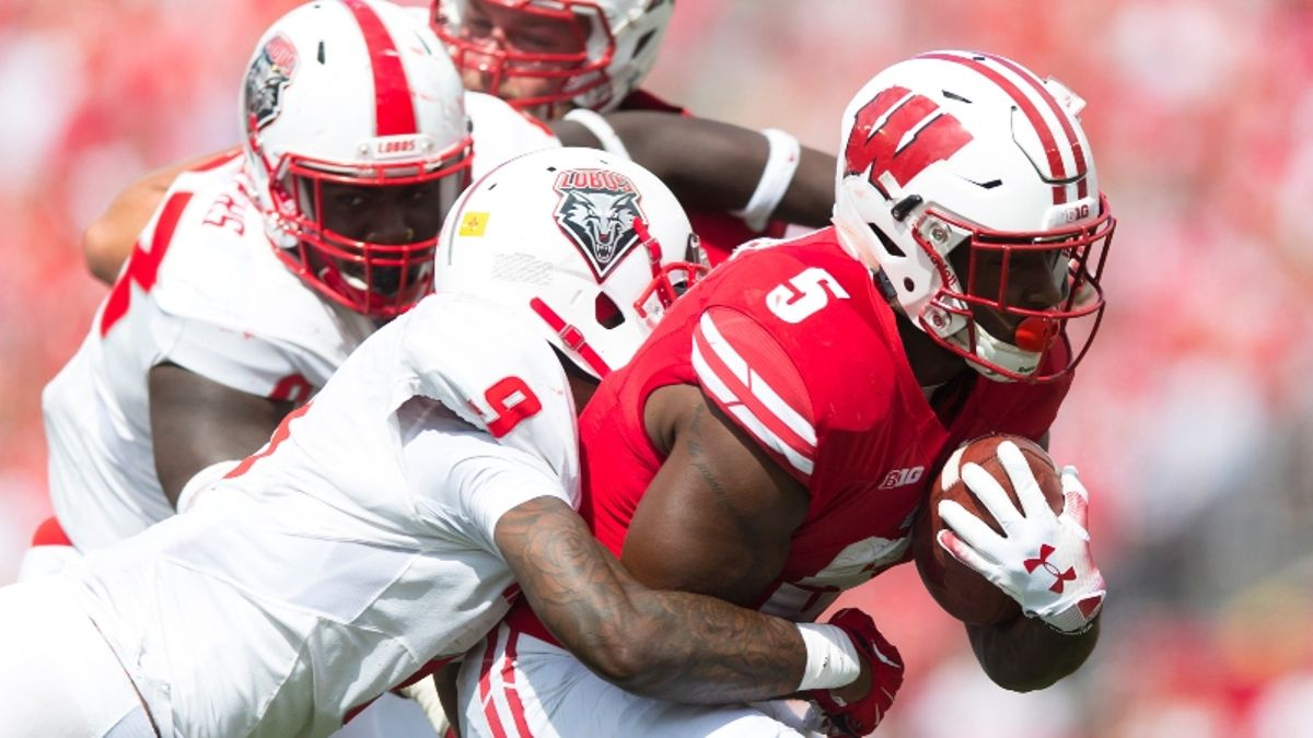 Wisconsin Scores with 22 seconds Remaining Dealing a Bad Beat to Under Bettors article feature image