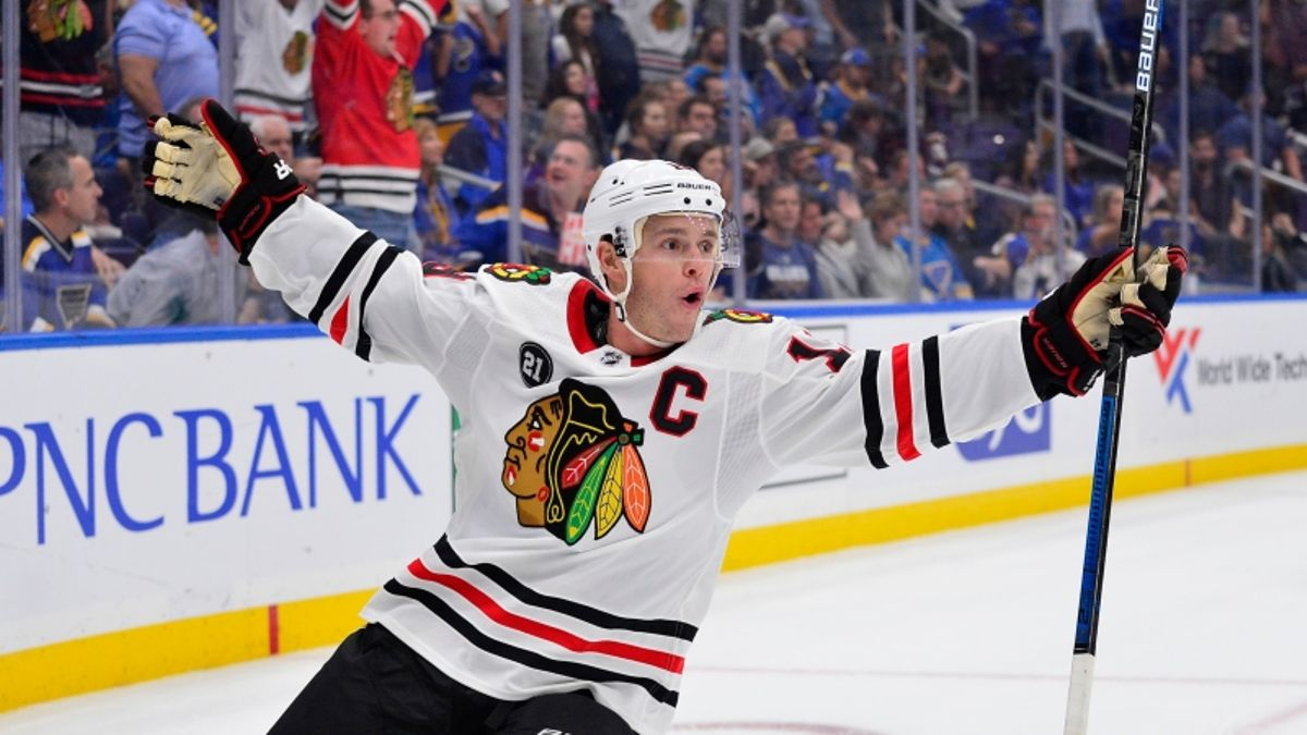 Top NHL Prop Bets for Thursday: Jonathan Toews Over/Under 2.5 Total Shots on Goal? article feature image