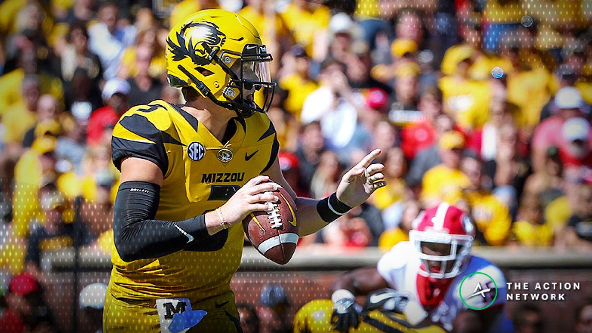 College Football Sharp Report: Pros Betting Memphis-Missouri, 4 Other Games article feature image
