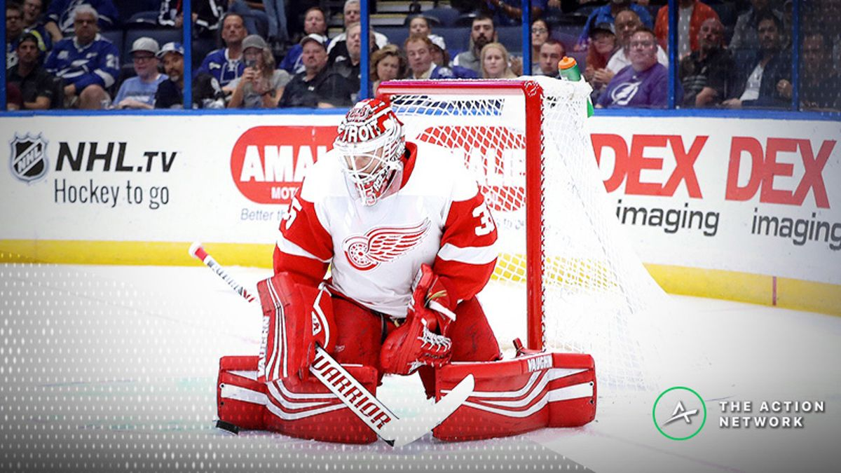 Top NHL Prop Bets for Monday: Jimmy Howard Over/Under 31.5 Total Saves? article feature image