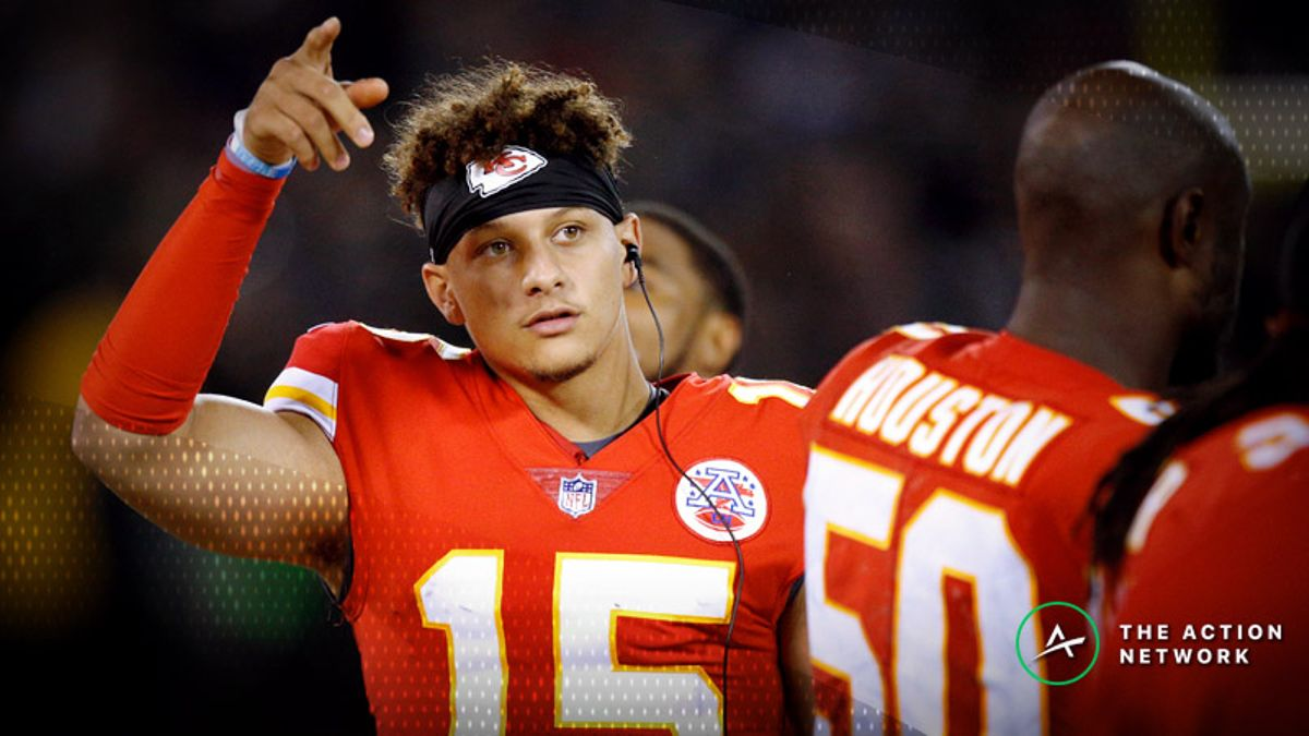 NFL Week 8 Fantasy QB Breakdown: Is Patrick Mahomes Too Expensive for Cash Games? article feature image