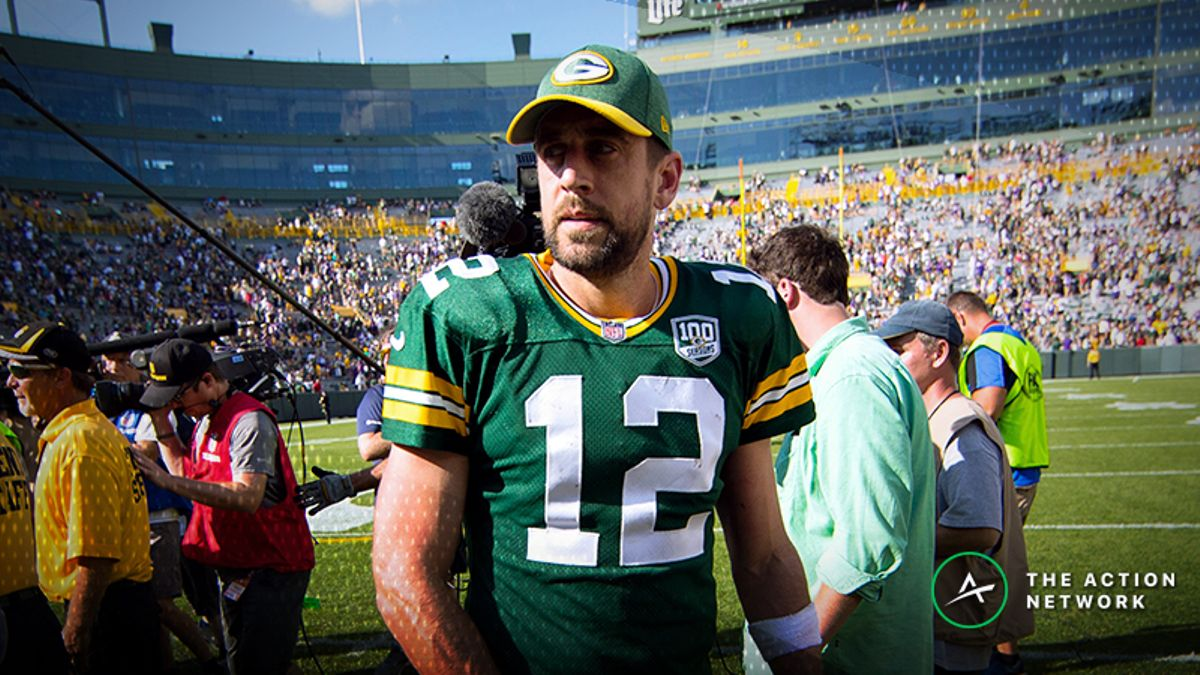 Dolphins-Packers Betting Preview: Trust Aaron Rodgers as a Massive Favorite? article feature image