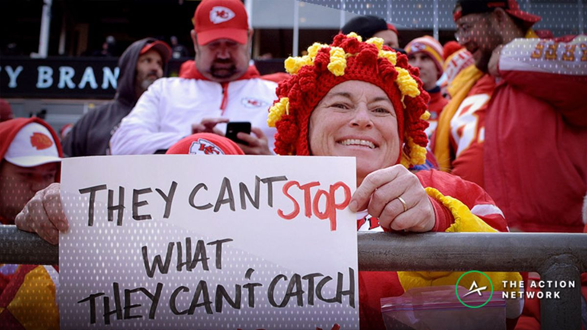 Chiefs-Rams Vegas Report: Bookmakers Surprised by Sharp Over/Under Action article feature image