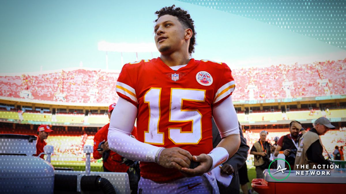 Cardinals-Chiefs Betting Preview: Will Mahomes Cover Another Double-Digit Spread? article feature image