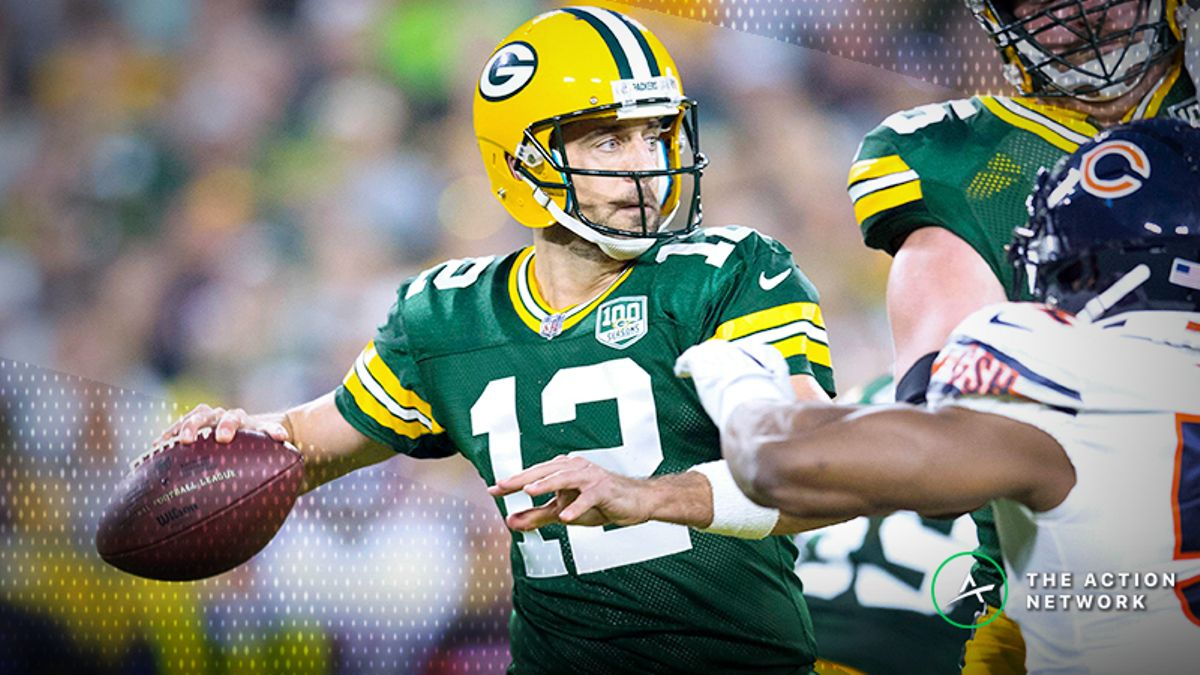 Aaron Rodgers An Underdog Against Bears for First Time in Nearly a Decade article feature image