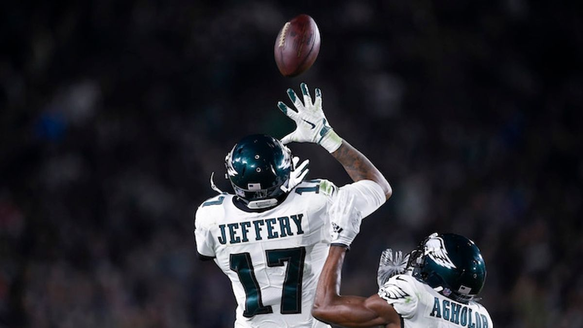 Best Eagles-Packers Prop Bets: Alshon Jeffery, More Thursday Night Football Picks article feature image