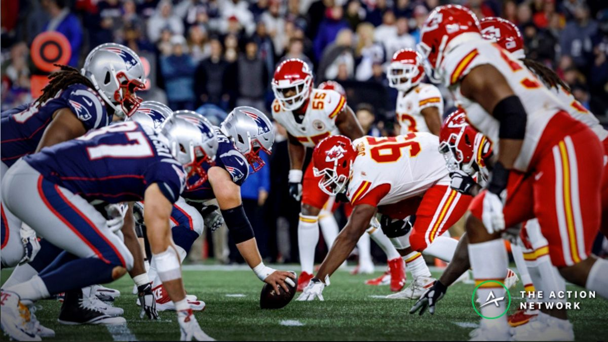 AFC Championship Sharp Report: Pros Betting Patriots-Chiefs Over/Under article feature image