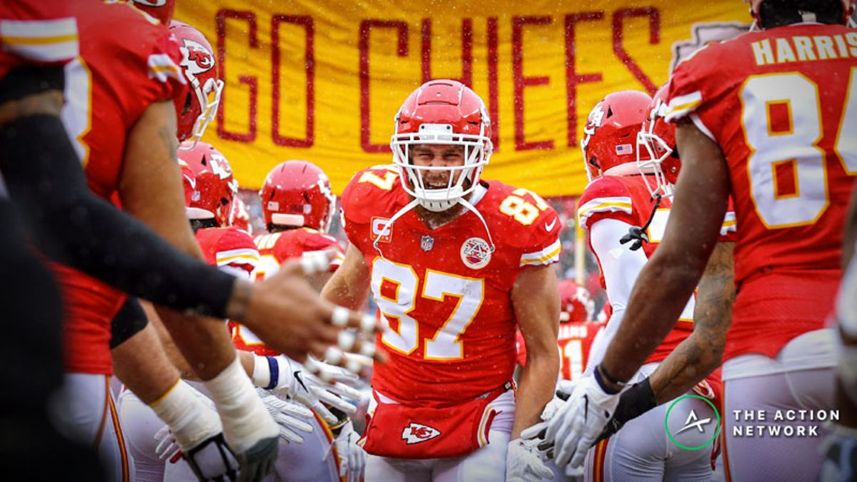 NFL Conference Championship Fantasy TE Breakdown: Travis Kelce Is the Only Option article feature image