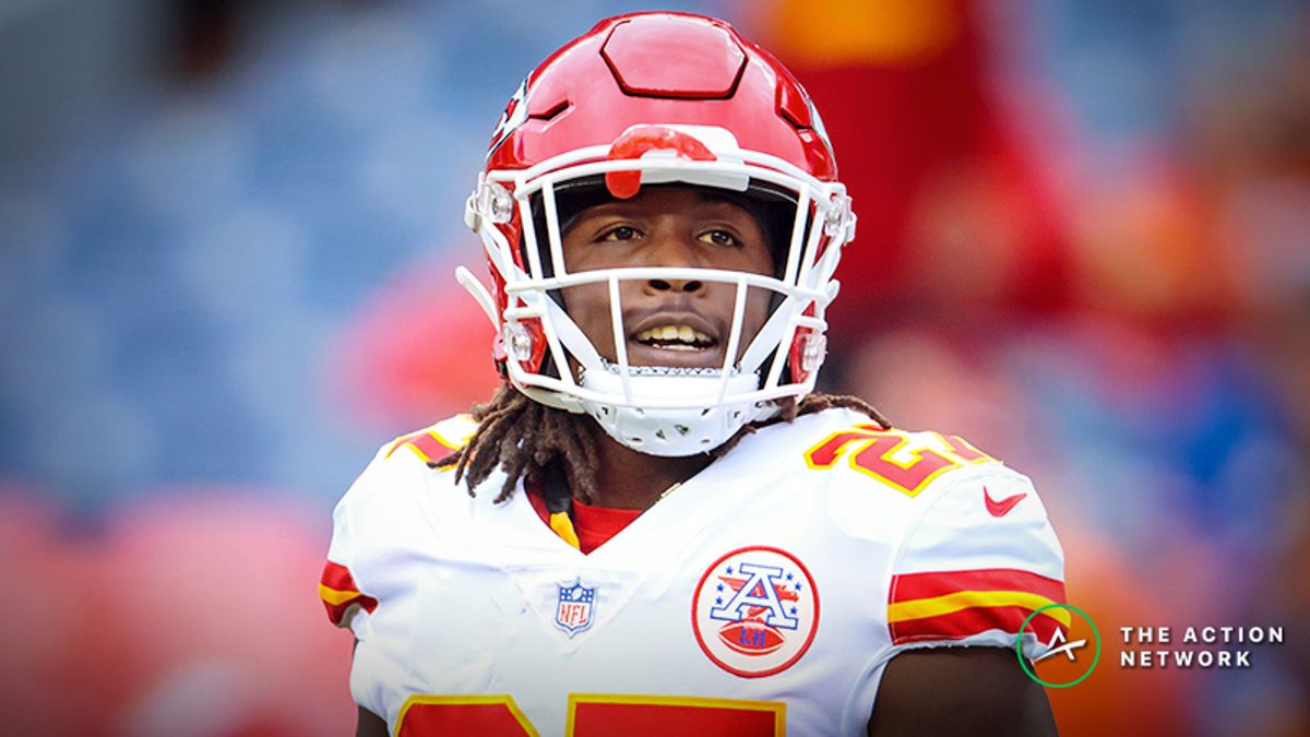What Does Kareem Hunt Mean for the Browns Offense? article feature image