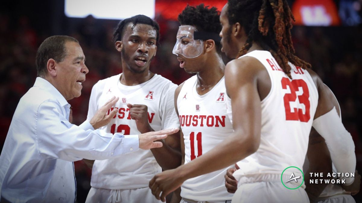 CBB Sharp Report: Pros Betting Houston-Connecticut, 2 Other Thursday Games article feature image