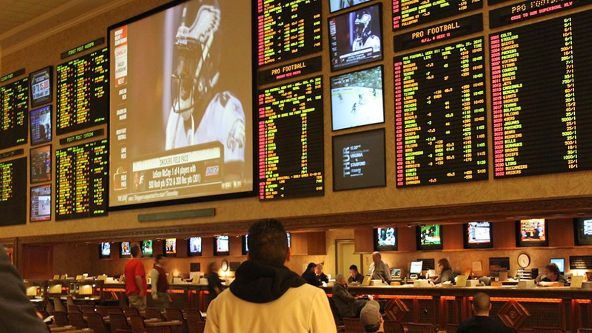 Poll: 80% of Americans Now in Favor of Sports Betting Legalization article feature image