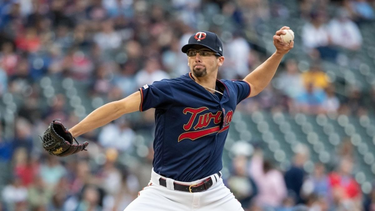 MLB Daily Betting Model, 6/4: Can Devin Smeltzer Extend AL Central Lead for Twins? article feature image