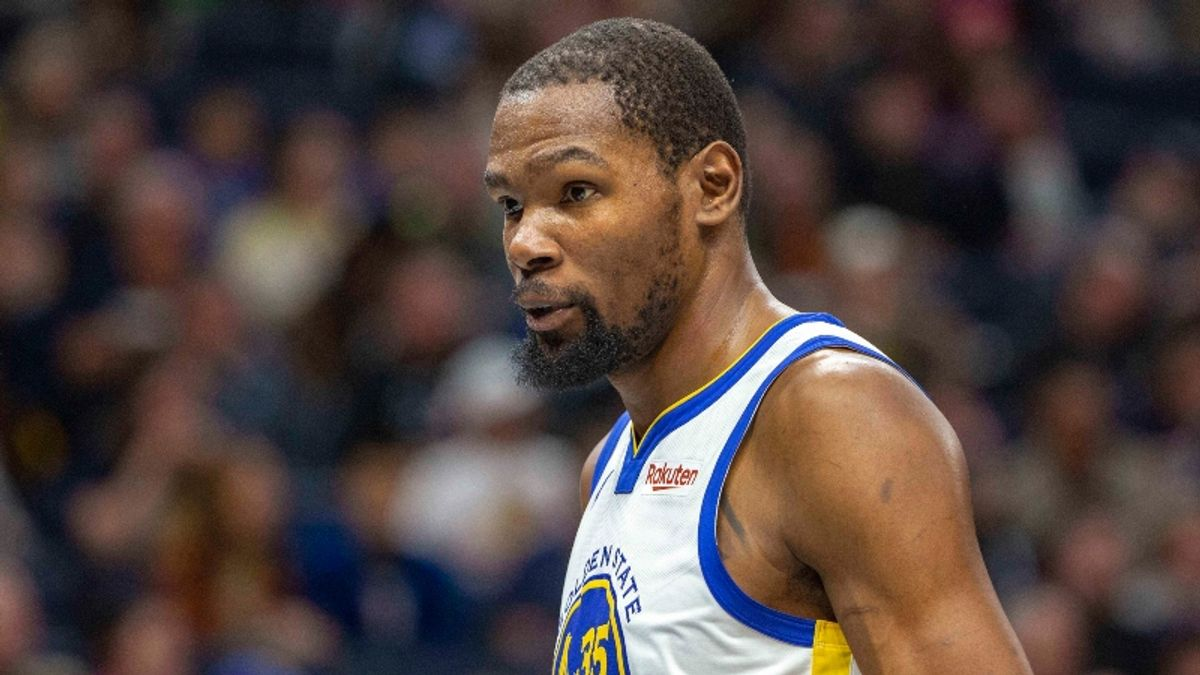 Durant and Kyrie to Brooklyn? What the NBA Free Agency Buzz Means for Futures Market article feature image