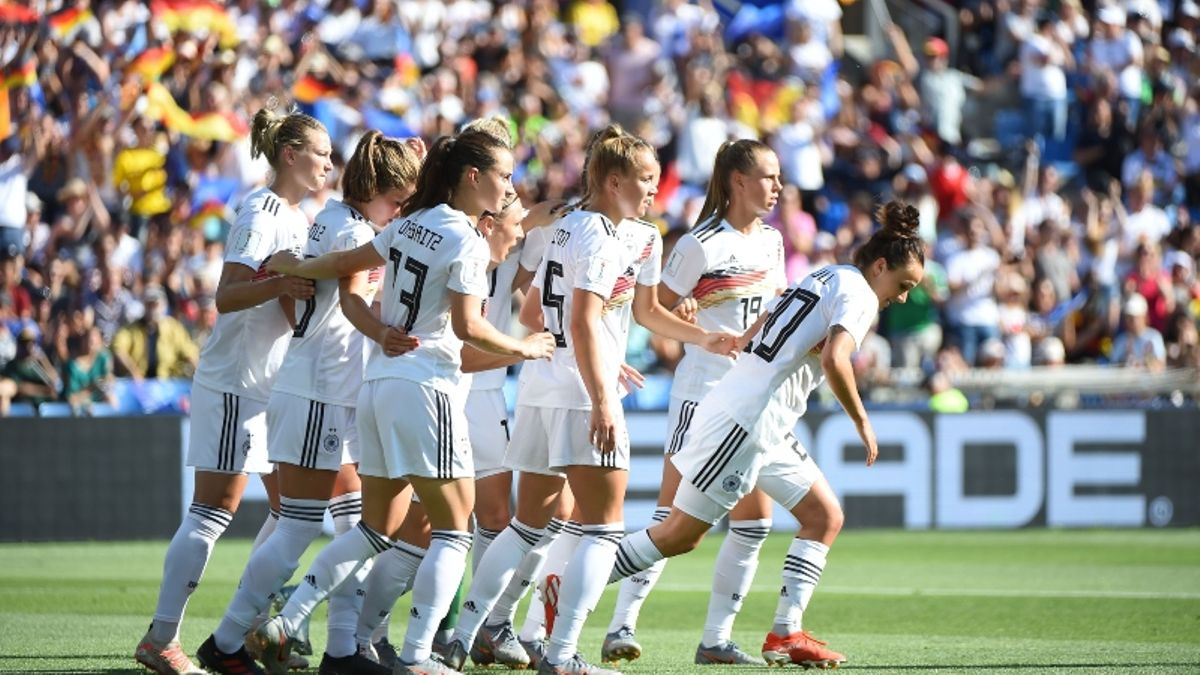 Women's World Cup Quarterfinal Odds, Betting Preview: How Sharps Bet USA-France Right Away article feature image