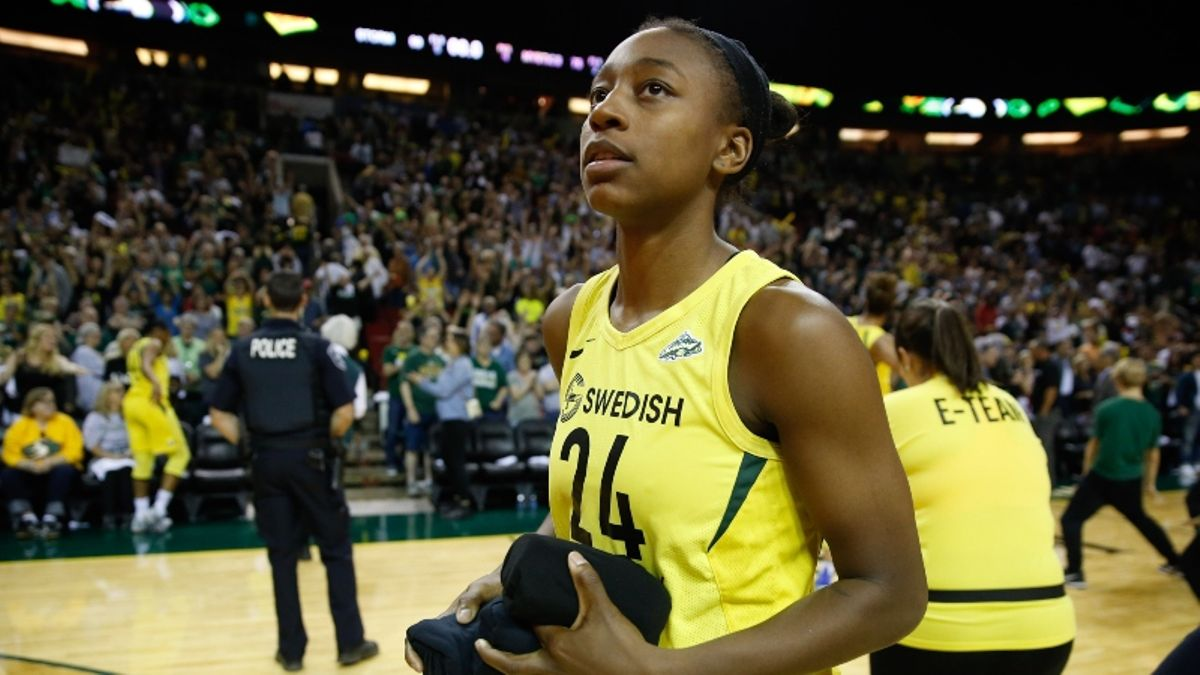 Koerner: Use My Projected WNBA Betting Odds to Find Best Friday Lines article feature image