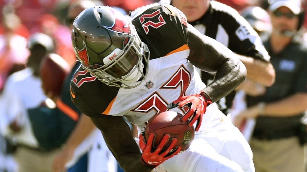 Ronald Jones II Fantasy Football Rankings, 2019 Projections, Analysis, More article feature image