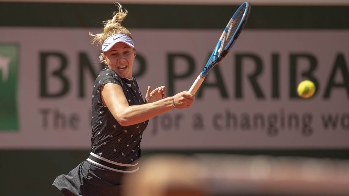 French Open WTA Semifinals Betting Preview: Two Teens in Action on Friday article feature image