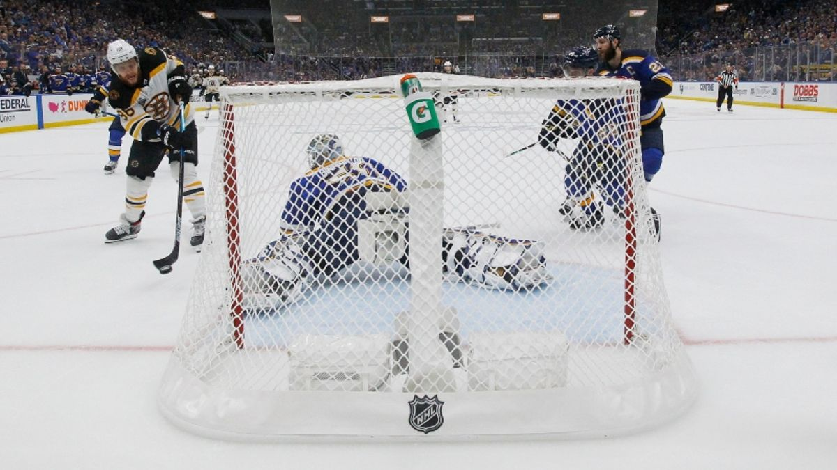Blues vs. Bruins Stanley Cup Final Sharp Report: Here's How Pros Are Betting Game 7 article feature image