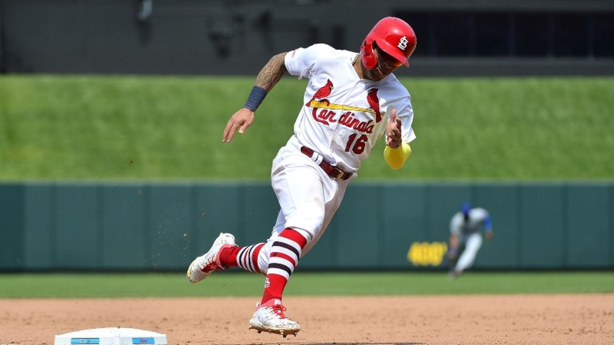 MLB Sharp Report: Pros Betting Reds-Cardinals, 2 Other Tuesday Games article feature image