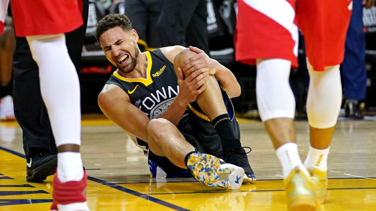 Klay Thompson Injury Sends Warriors 2020 NBA Title Odds Plummeting article feature image