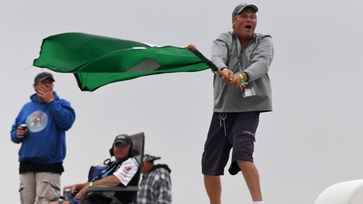 FireKeepers Casino 400 Start Time, Picks: Best Bets to Win Rain-Delayed NASCAR at Michigan article feature image
