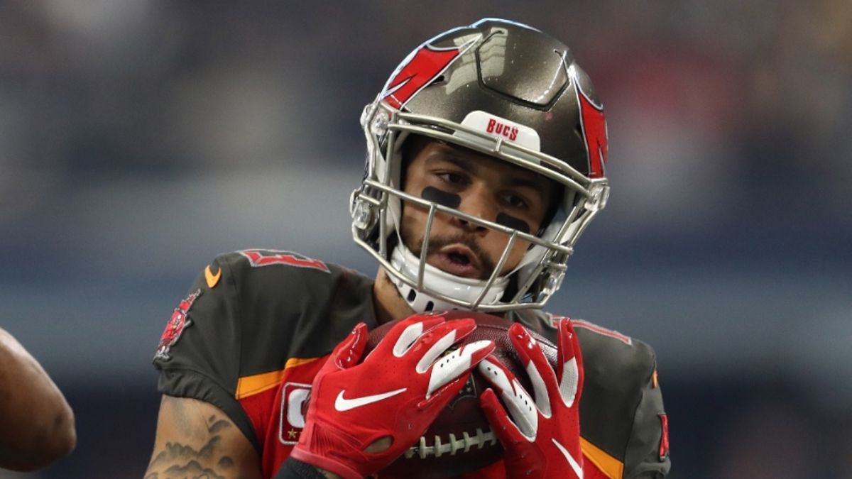 Fantasy Football Injury Report: Rankings & Backup Plans for Mike Evans, Stefon Diggs, More article feature image