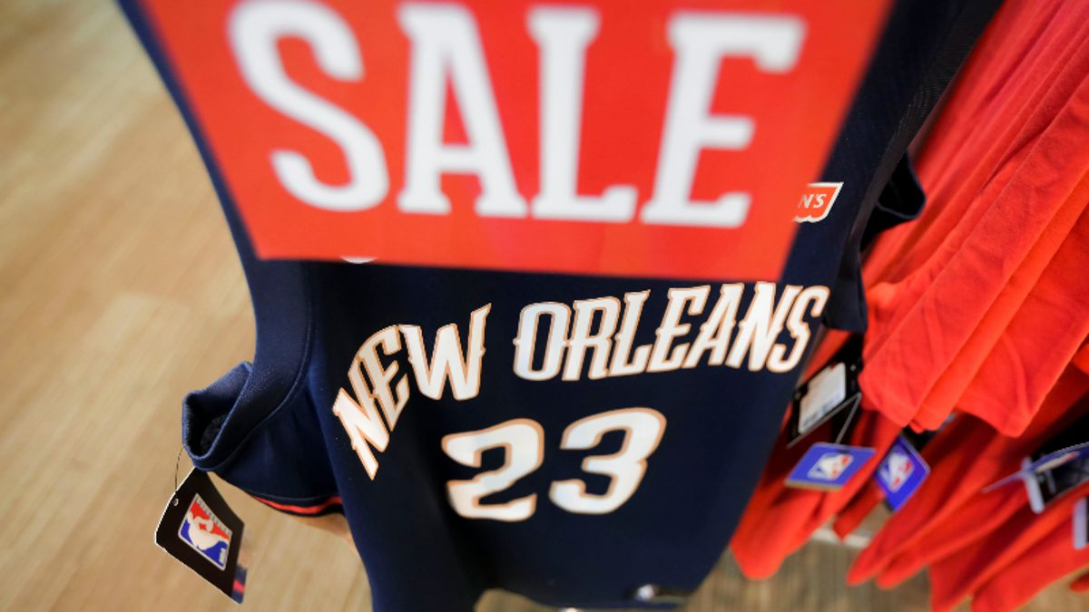 Moore: The Short and Long-Term Value of the Pelicans After Trading Anthony Davis article feature image