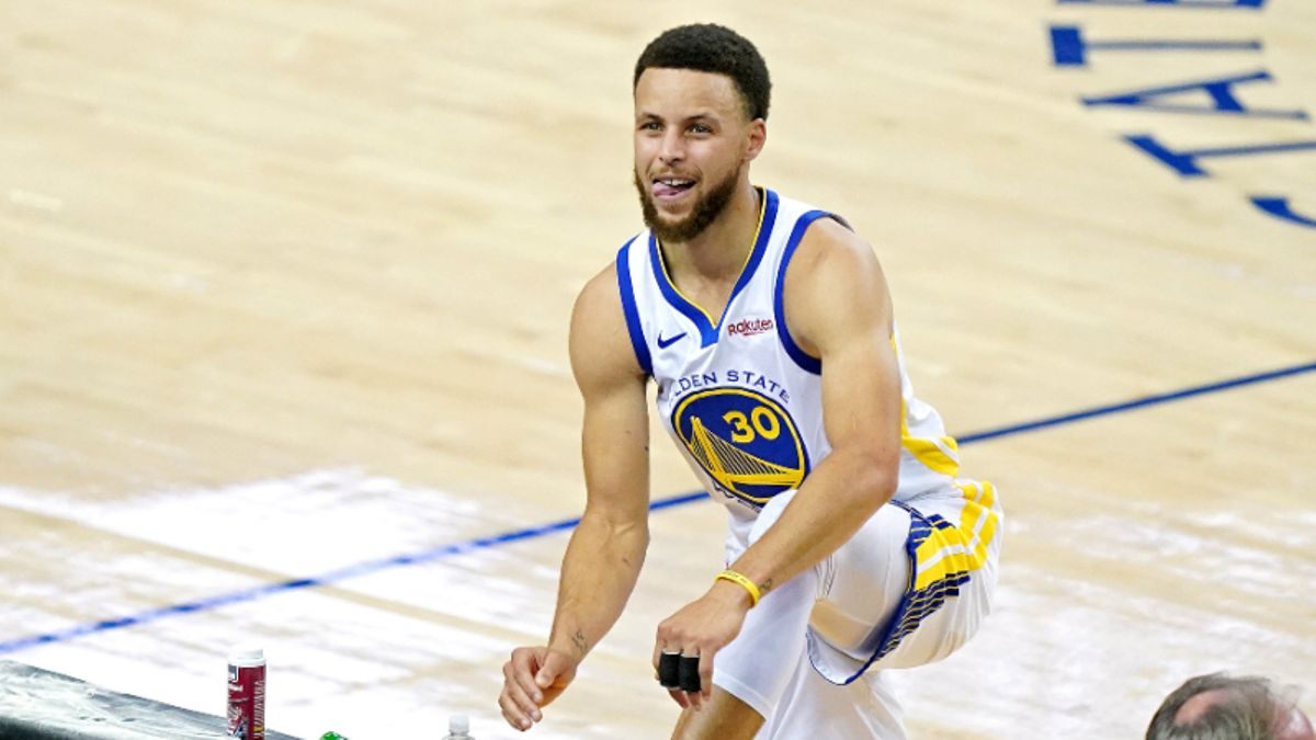 Moore: How a Wild Year for Steph Curry's Usage Could Bring Value to His MVP Odds article feature image