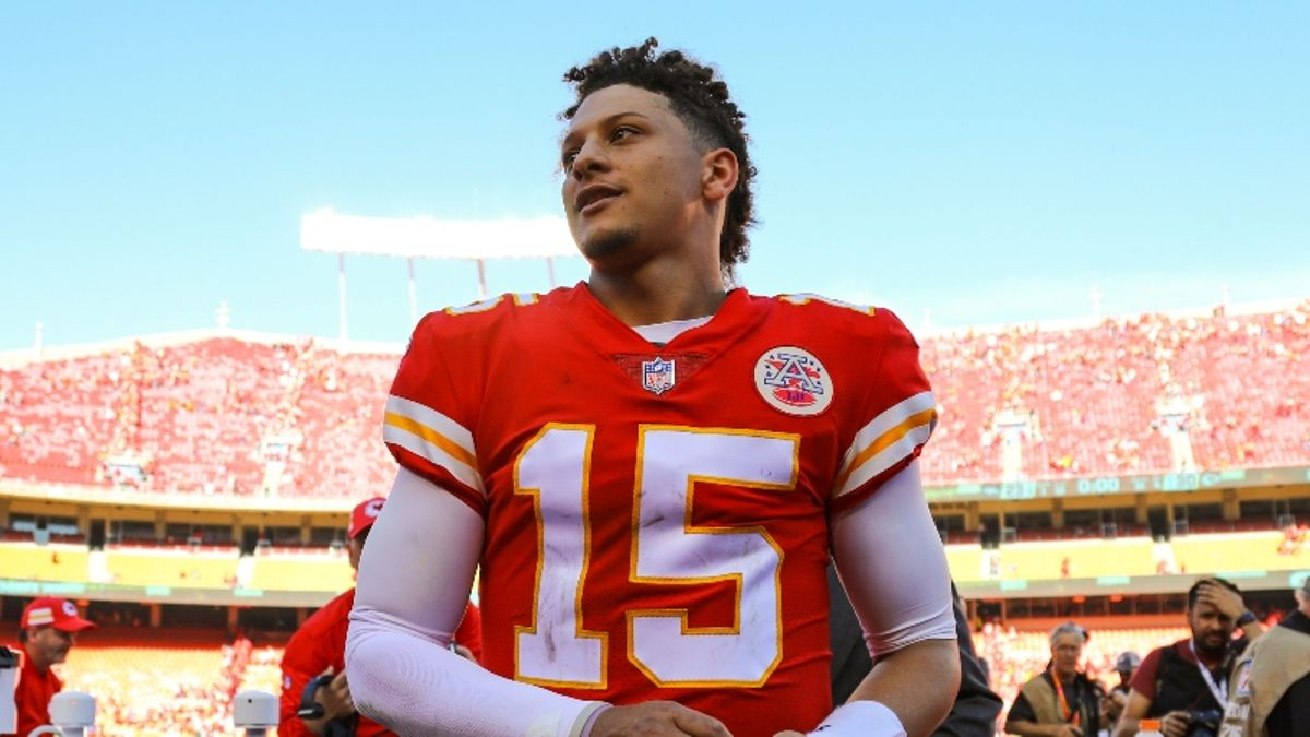 How Early Is Too Early to Draft Patrick Mahomes in Fantasy? article feature image