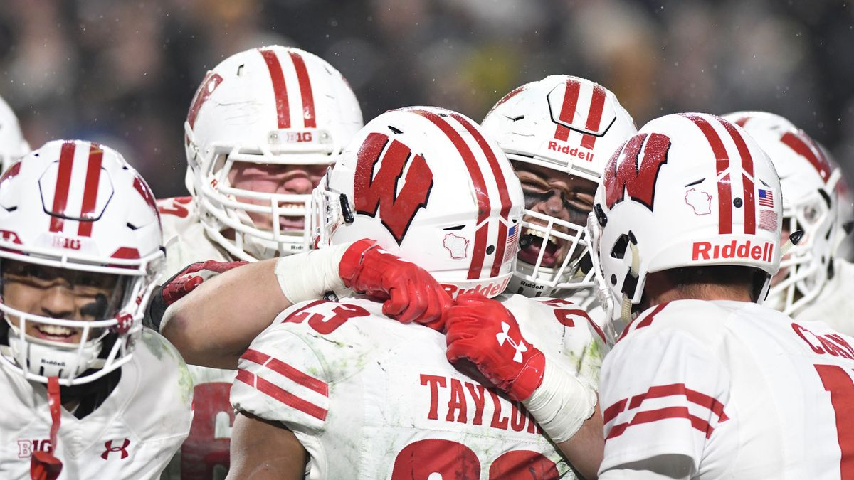 Wisconsin 2019 Betting Guide: Major Defensive Rebound Needed article feature image