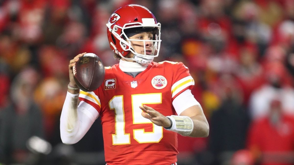 NFL Week 1 Odds: Chiefs-Jaguars Among Most Interesting Early Line Moves article feature image