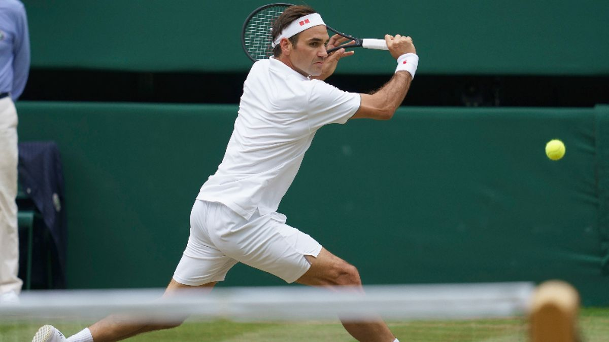 ATP Wimbledon Manic Monday Betting Preview: Can Matteo Berrettini Test Roger Federer on Grass? article feature image