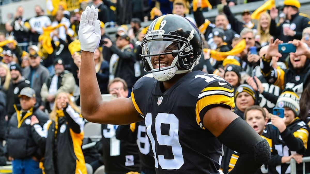Why JuJu Smith-Schuster Is the No. 1 WR in Fantasy Football article feature image
