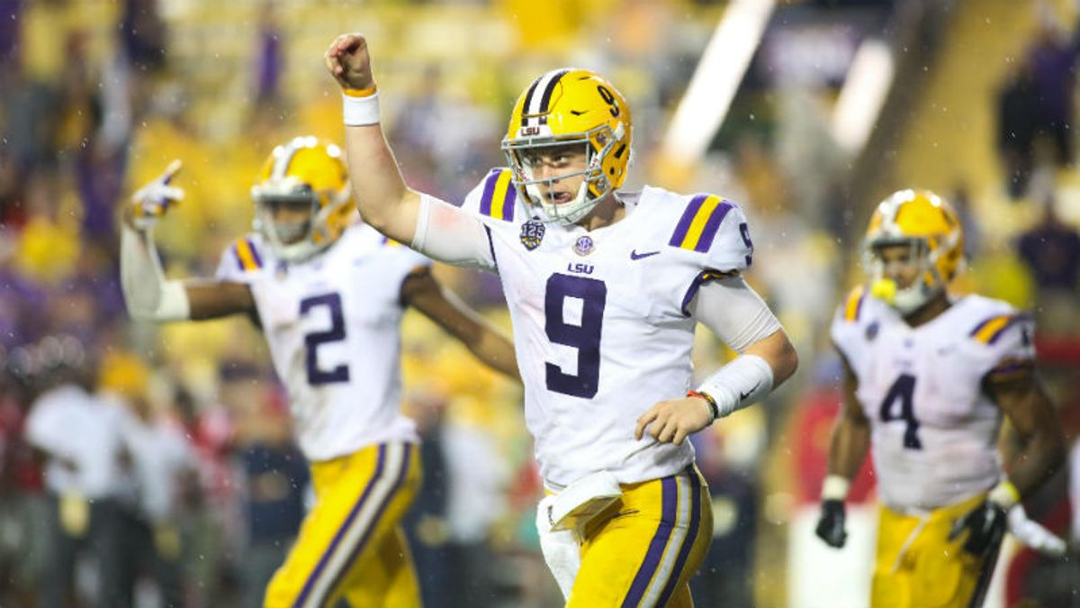 LSU 2019 Betting Guide: Can New Spread Offense Makes Tigers a National Title Threat? article feature image