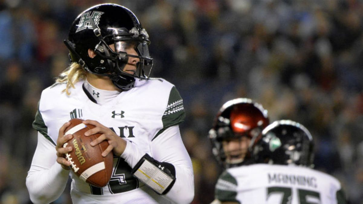 Arizona vs. Hawaii Betting Odds & Pick: Expect an Island Shootout? article feature image