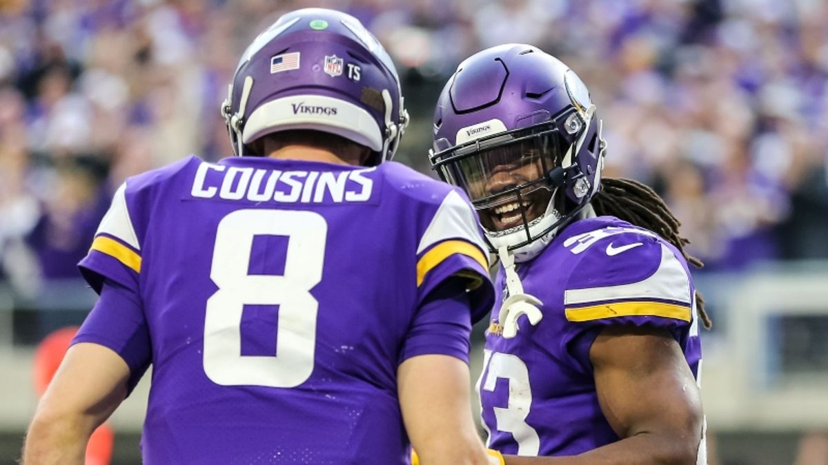 Vikings vs. Cowboys Betting Odds, Picks & Sunday Night Football Predictions article feature image