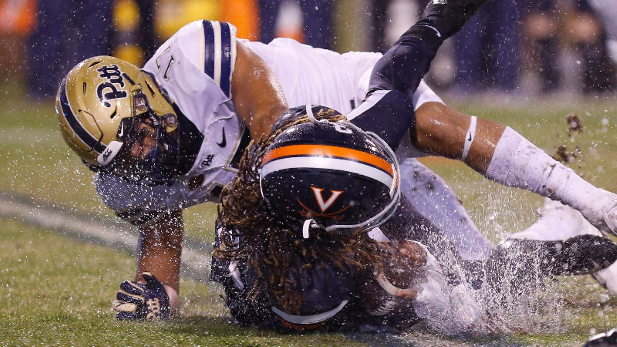 College Football Sharp Report: How Pros Are Betting Pitt vs. Virginia article feature image