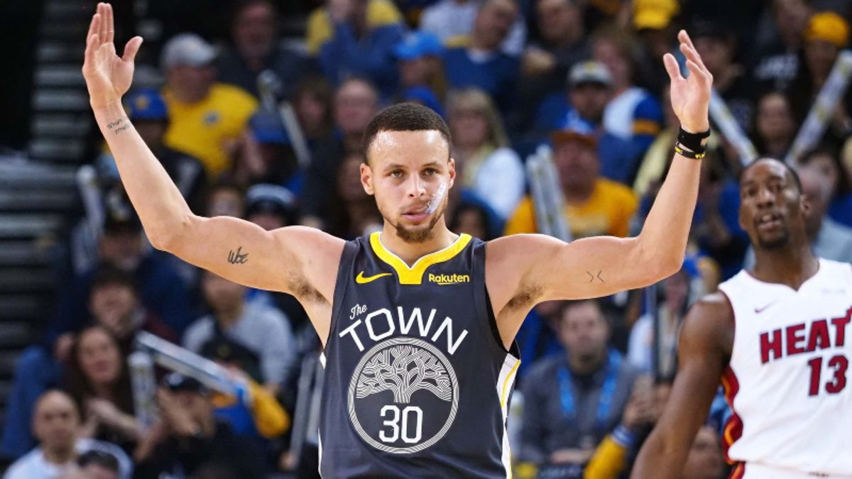 Warriors, Pelicans Among Early NBA Win Total Movers in Las Vegas article feature image
