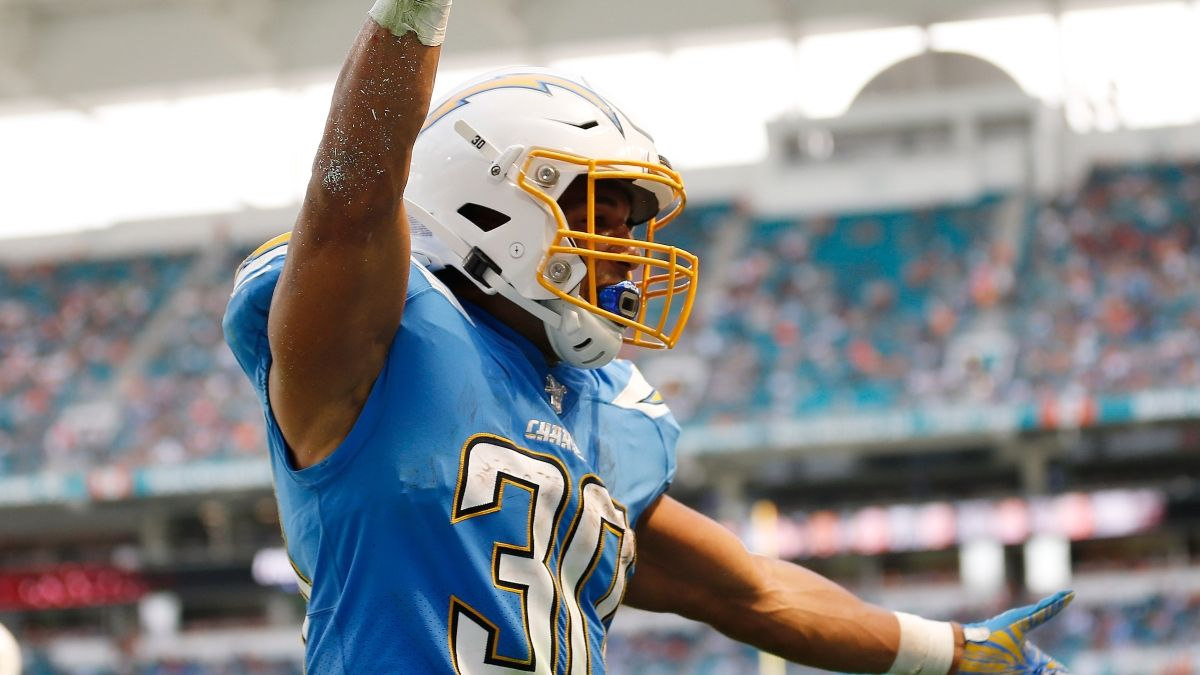 NFL Picks & Predictions: 2 Ways To Bet Chargers vs. Raiders On Thursday Night Football article feature image