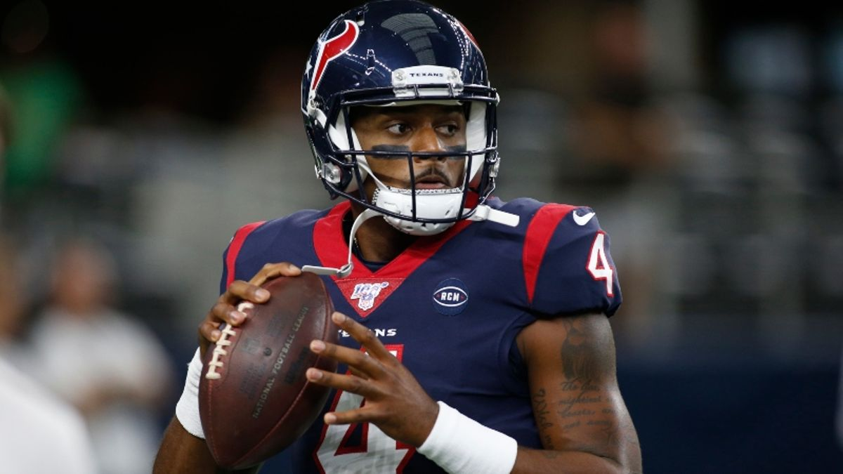 Fantasy QB Rankings for Week 1 article feature image