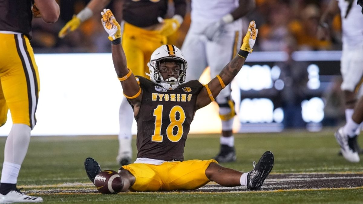 UNLV vs. Wyoming Betting Picks & Odds: How Windy Weather Is Creating Value article feature image
