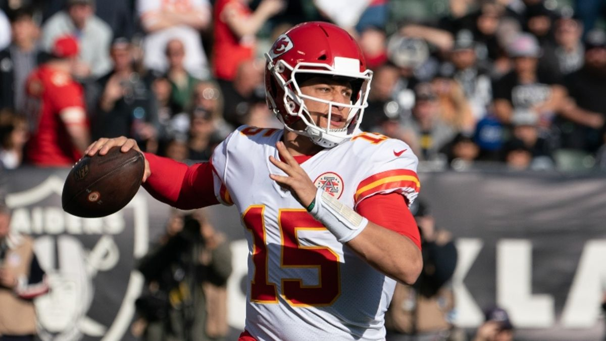 NFL Odds, Picks, Predictions for Sunday's 4 ET Games article feature image