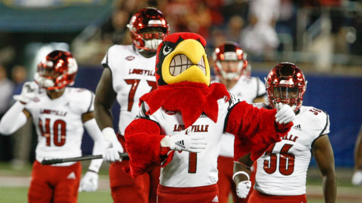 Stuckey's Notre Dame vs. Louisville Betting Preview & Odds: Which Side Is Undervalued? article feature image