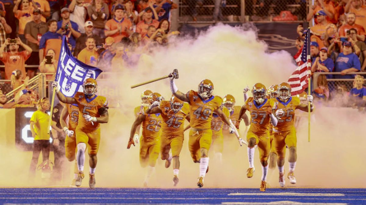 Friday College Football Betting Odds & Picks for Utah-USC, FIU-La Tech, Air Force-Boise State article feature image