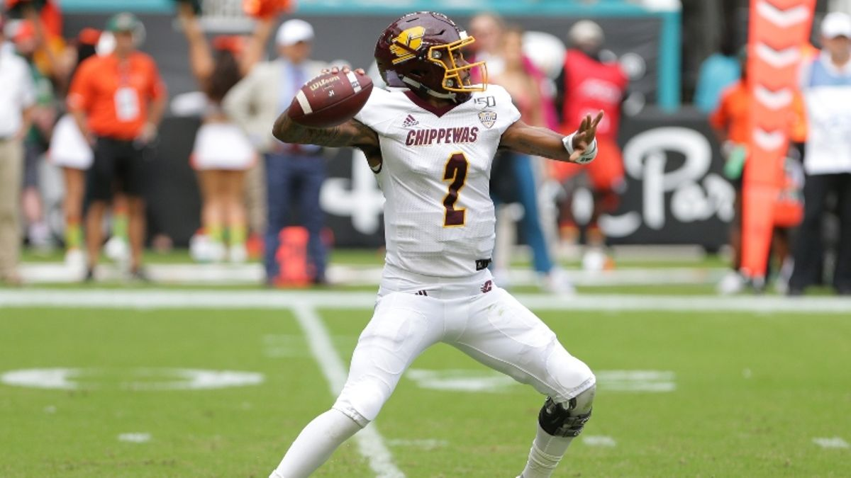 Central Michigan vs. Western Michigan Betting Odds & Picks: Blowout Potential in Kalamazoo? article feature image