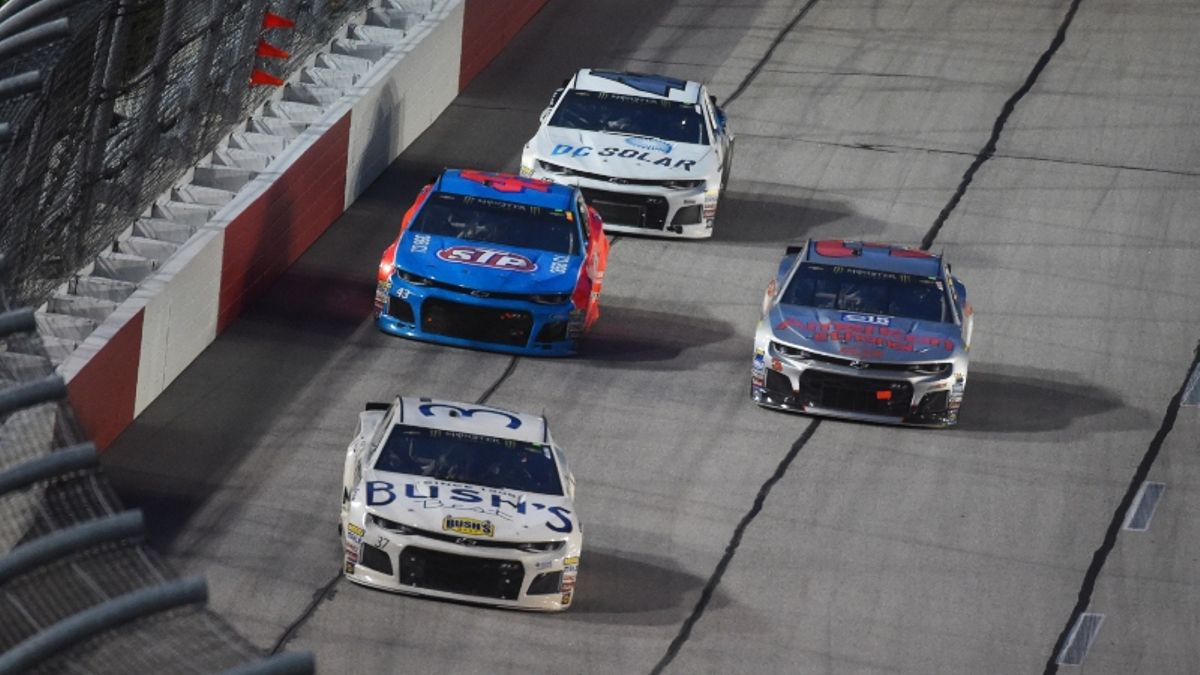 NASCAR at Darlington Odds, Picks: 2 Value Bets to Win the Bojangles' Southern 500 article feature image