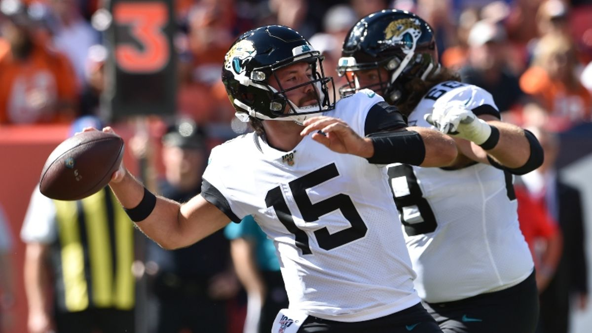 Jaguars vs. Panthers Betting Odds & Picks: Which Backup QB Has the Edge? article feature image